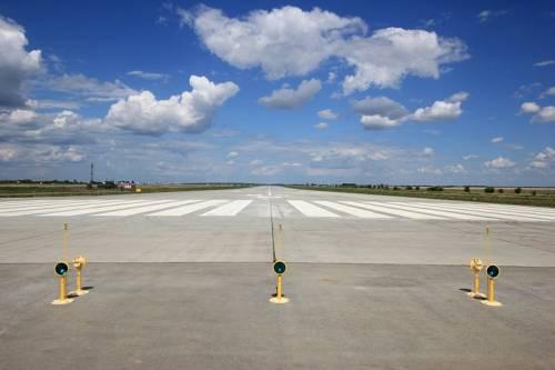 Новая взлетная полоса на аэродроме Энгельс